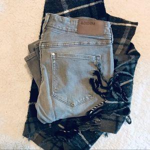 H&M Women's Gray Denim Skinny Pant 29X32